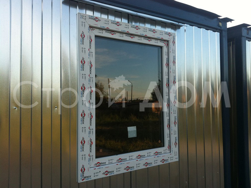 ПВХ окно из пластика в бытовках. Дополнения к бытовкам на заказ в Клину.