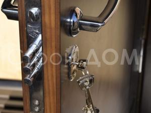 Железная входная дверь в бытовку. Бытовка Клин недорого.