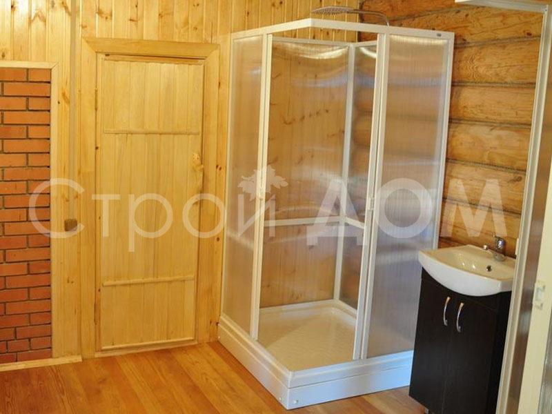 Душевая кабина в бытовке. Строительство на заказ в Московской области недорого.