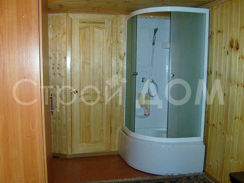 Сборка и установка кабины для душевой в Вашей бытовке на загородном участке Московской области.