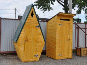 Простой дачный туалет по низкой цене. Производство в Клину, Солнечногорске, Конаково недорого. В наличии и на заказ.
